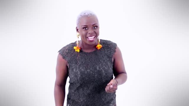 UN MOT ADOPTÉ Saison - Fréquenter en streaming | TV5MONDE Afrique
